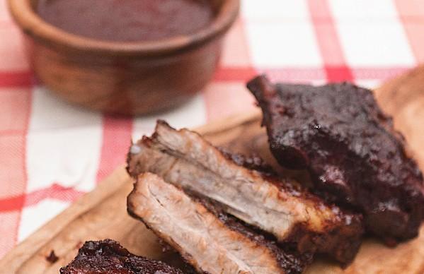 Garfo & Mala na Cozinha: Receita de costela ao molho barbecue com café
